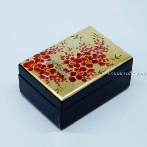 Lacquer box 14