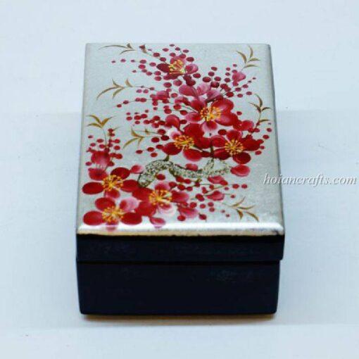 Lacquer box 16
