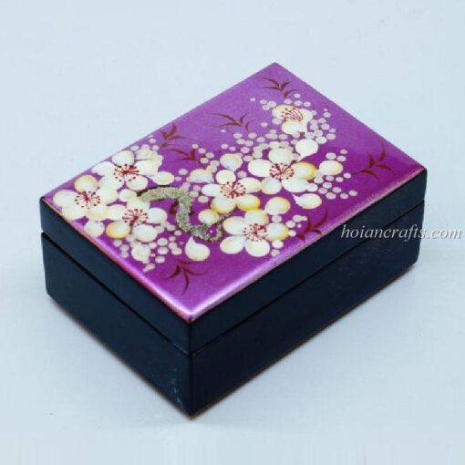 Lacquer box 17