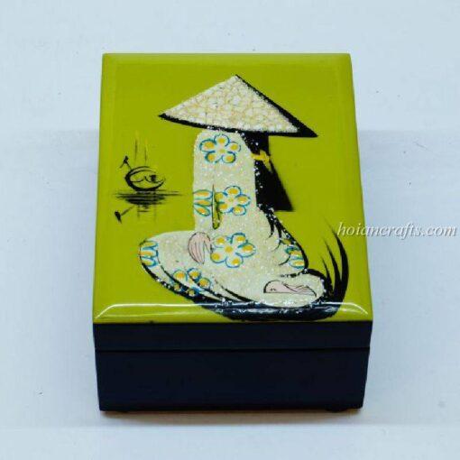 Lacquer box 21