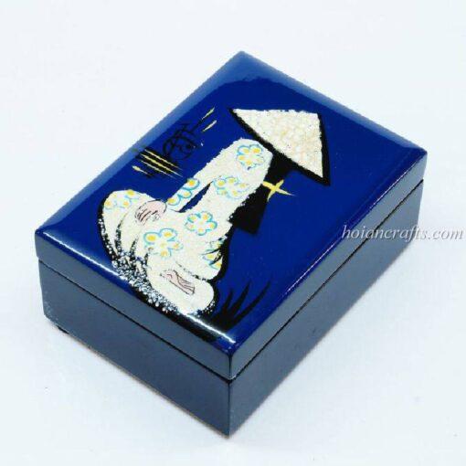 Lacquer box 23