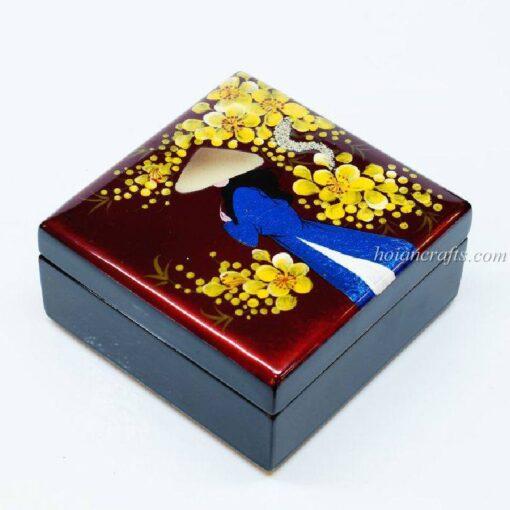 Lacquer box 27