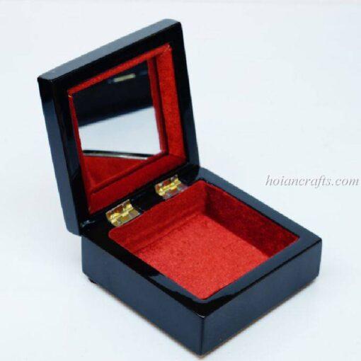 Lacquer box 29